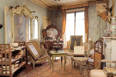 В Париже нашлась удивительная квартира пустовавшая 70 лет. Фото AFP