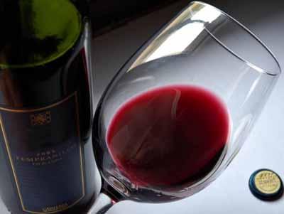Ученые опровергли известный миф – красное вино не продлевает жизнь